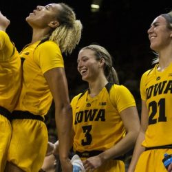 Women's Hoops Look For A W In Lincoln