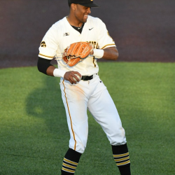 Iowa Baseball Comes From Behind To Win