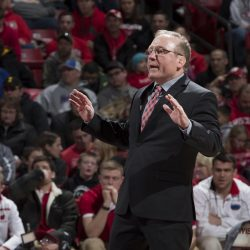Wisconsin wrestling coach Barry Davis resigns