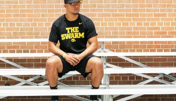 Defensive End Transferring From Iowa