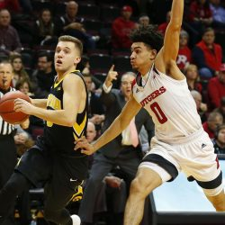 Iowa Looks for 4th Straight Win @Rutgers